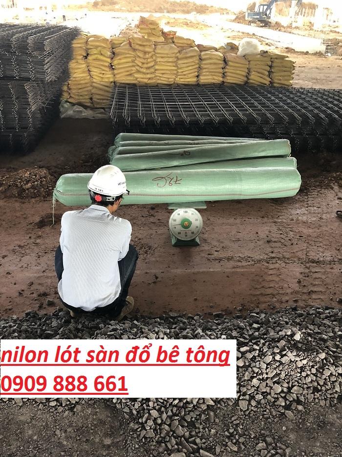 giá nilon lót sàn đổ bê tông